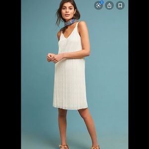 Anthropologie Meadow Rue Pleated V neck Dress